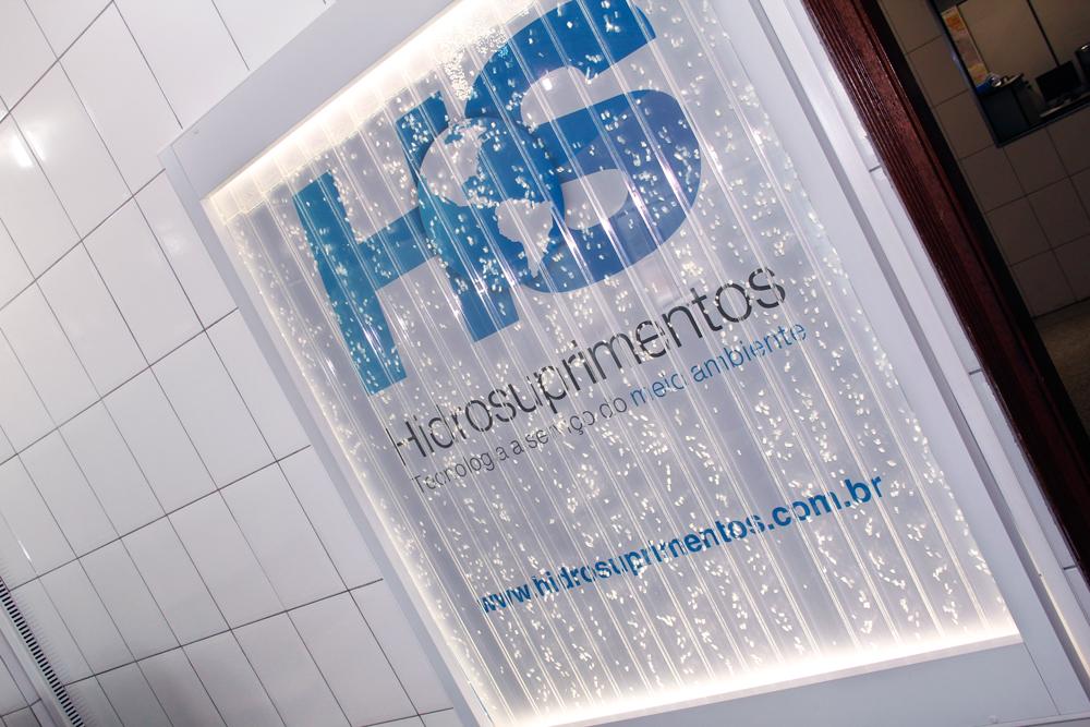 A HIDROSUPRIMENTOS é uma empresa genuinamente brasileira produzindo tecnologia nacional para aplicação em hidrogeologia e engenharia ambiental